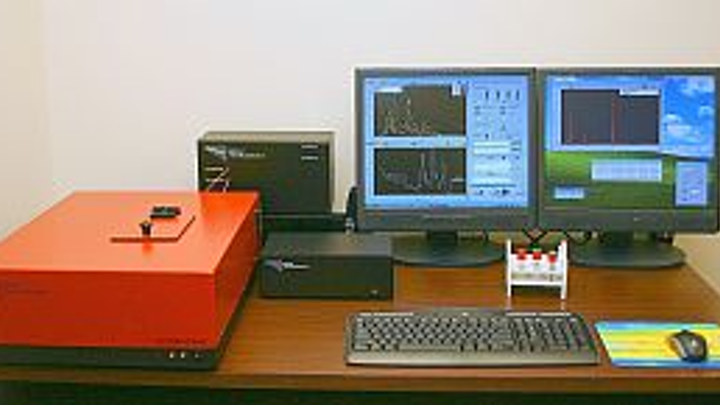 Applied NanoFluorescence spectrometer captures from 400 to 1600 nm