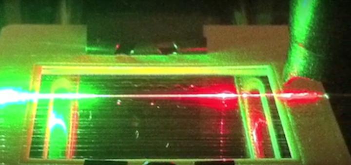 Spider silk acts as fiber-optic molecular detector