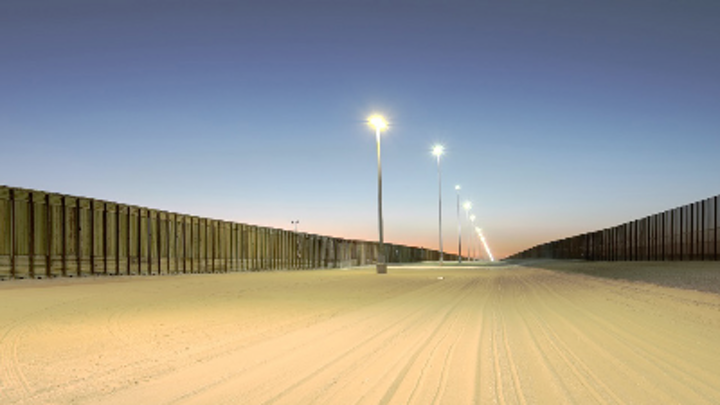 DOE tests LED luminaires over two years at the U.S.-Mexico border in high-temperature conditions