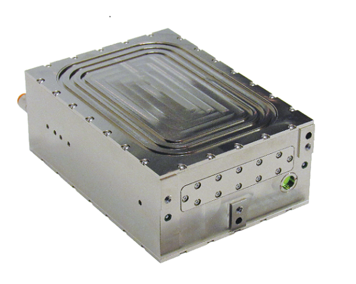 A 25 W mid-wave infrared (MWIR) laser with nearly diffraction-limited output beam is packaged in a compact 7 inch x 4.5 inch x 2.4 inch housing. (Image credit: Forward Photonics)
