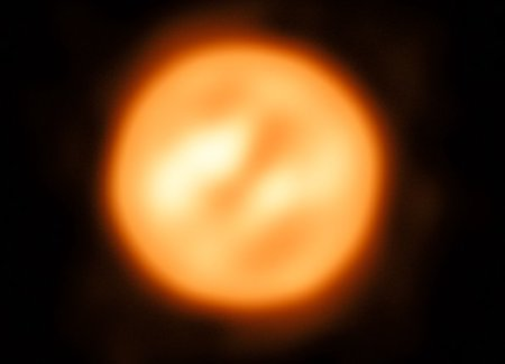 ESO's Very Large Telescope Interferometer constructs image of red supergiant star