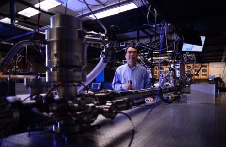 Once again, CREOL researchers set record for shortest light pulse
