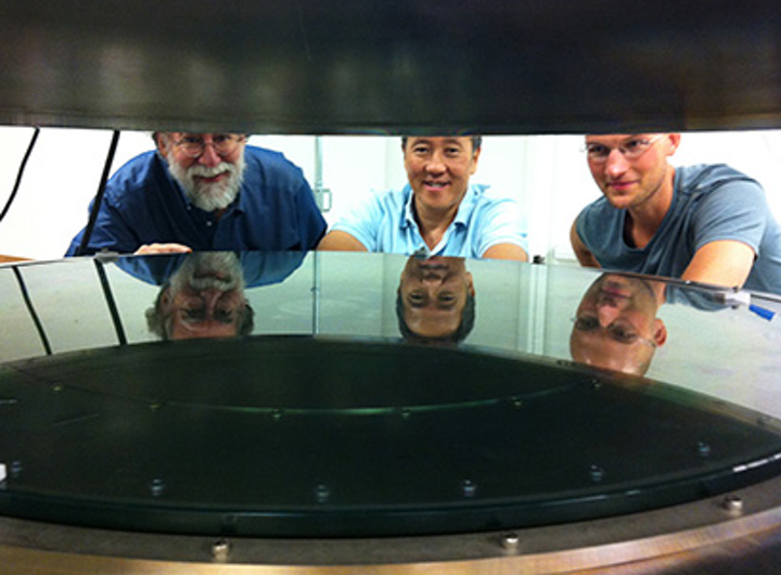 Atomic layer deposition promises dramatic improvements in large telescope mirror coatings