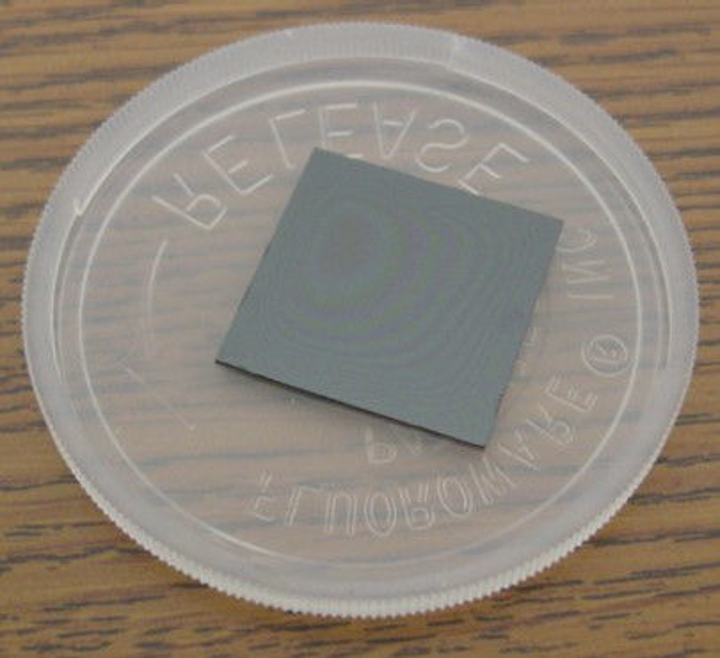 Example of SMI-grown doped lithium niobate material using the MOCVD process. (Image credit: SMI)
