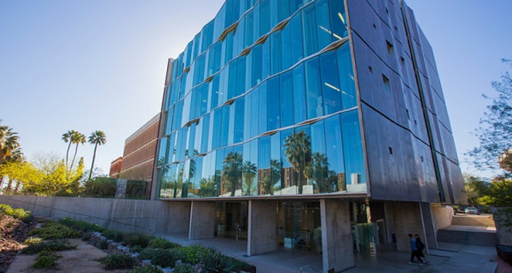 Professor gifts $20M to UA College of Optical Sciences for 10 new