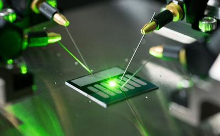 Carbon-nanotube optical rectenna converts visible light directly to DC current