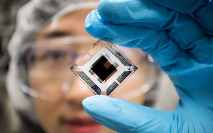 Content Dam Lfw En Articles 2018 04 Stacked Organic Solar Cells Reach Record 15 Efficiency Leftcolumn Article Thumbnailimage File