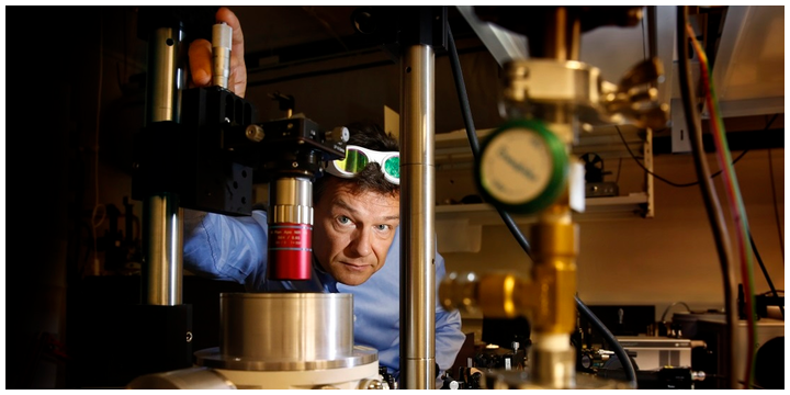 Helge Weman, CSO at CrayoNano AS and a professor at NTNU, is part of the team that has developed LEDs from nanomaterials that can emit UV light.
