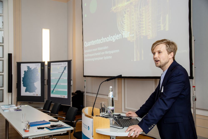 Markus Krutzik has organized the InnoQT workshop in Berlin, Germany, to set the stage for a new photonic QT network with research institutions and small and medium enterprises (SMEs) along the value chain.