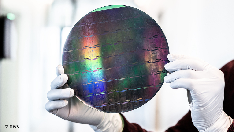 A SiN wafer with photonic integrated circuits manufactured on imec's advanced 200 mm line.